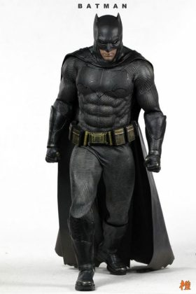 Hot Toys Batman v Superman Batman (43)