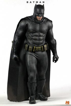 Hot Toys Batman v Superman Batman (46)