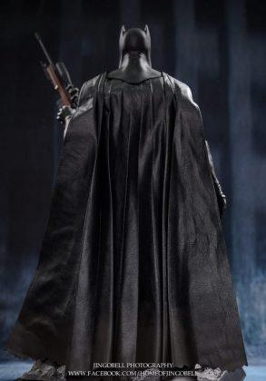 Hot Toys Batman v Superman Batman (50)