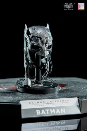 Hot Toys Batman v Superman Batman (52)