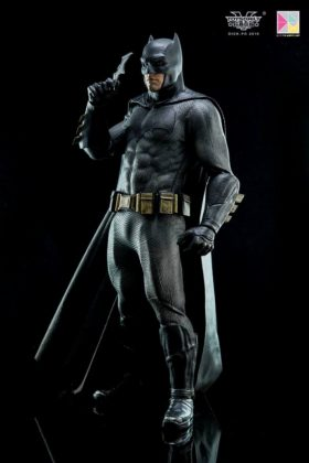 Hot Toys Batman v Superman Batman (56)
