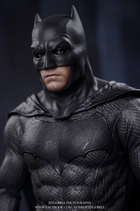 Hot Toys Batman v Superman Batman (60)