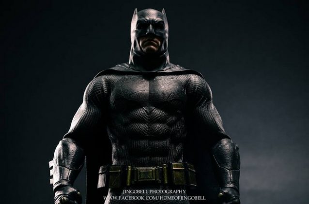 Hot Toys Batman v Superman Batman (63)