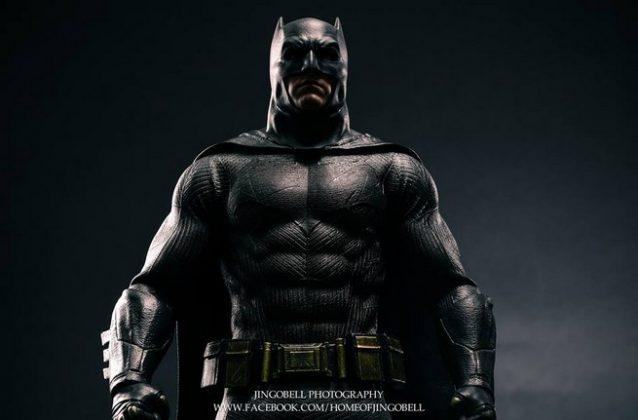 Hot Toys Batman v Superman Batman (63)
