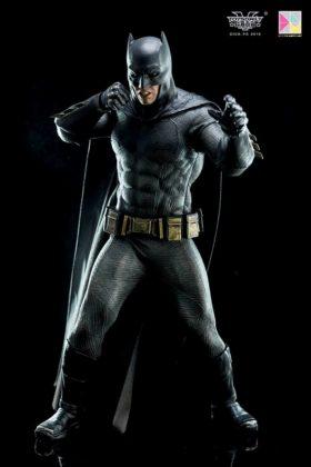 Hot Toys Batman v Superman Batman (66)