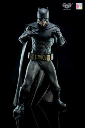 Hot Toys Batman v Superman Batman (72)