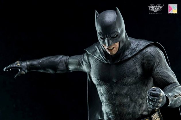 Hot Toys Batman v Superman Batman (73)