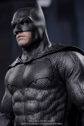 Hot Toys Batman v Superman Batman (74)