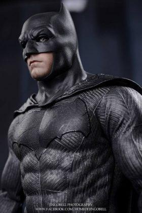 Hot Toys Batman v Superman Batman (74)