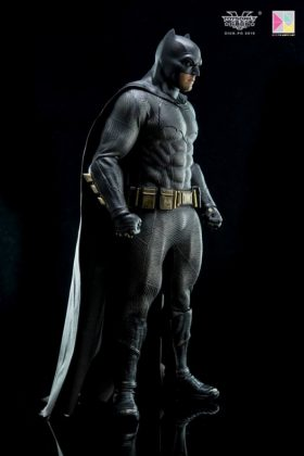 Hot Toys Batman v Superman Batman (76)