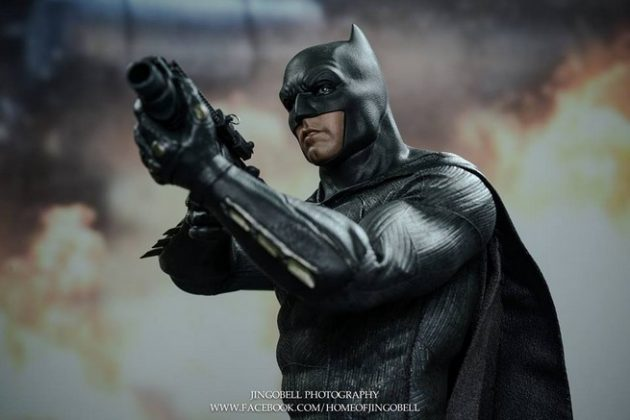 Hot Toys Batman v Superman Batman (78)