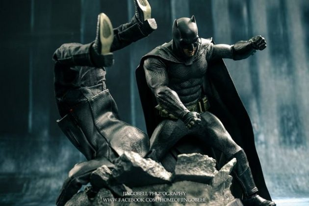 Hot Toys Batman v Superman Batman (8)