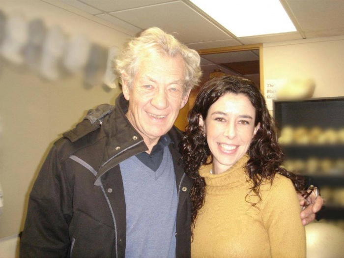 Carolina Jiménez con Ian McKellen