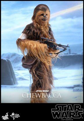 Hot Toys presenta una figura edición limitada de Chewbacca de 'El despertar de la Fuerza' 003