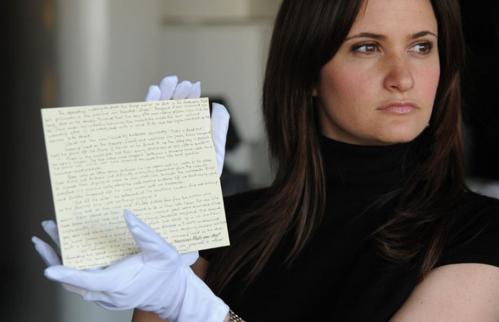Relato corto precuela de Harry Potter manuscrito por J. K. Rowling y subastado en 2008