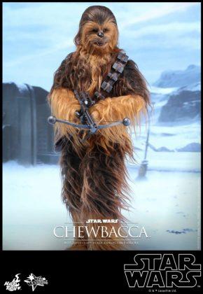 Hot Toys presenta una figura edición limitada de Chewbacca de 'El despertar de la Fuerza' 004