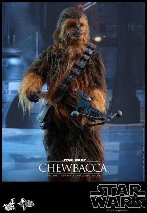 Hot Toys presenta una figura edición limitada de Chewbacca de 'El despertar de la Fuerza' 005