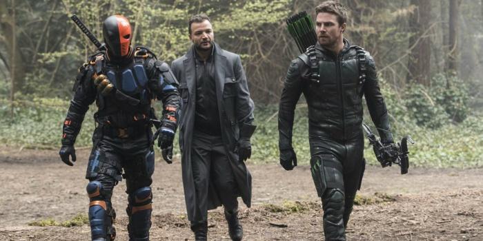 Arrow: Vuelve Deathstroke en tráiler del final de la 5ª temporada de 'Arrow'