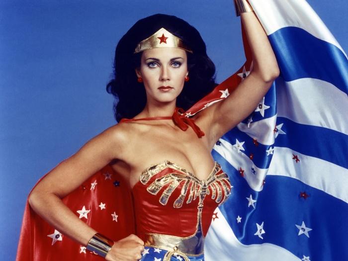 Supergirl protagonista del último vídeo promocional de 'Wonder Woman'