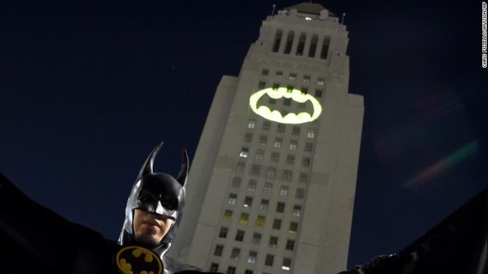 Batseñal con Batman