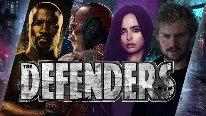 Finn Jones y Mike Colter dan una idea de como juntar a los Defensores y los Vengadores