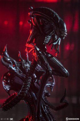 Sideshow presenta una estatua del Alien Warrior 002