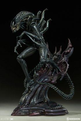 Sideshow presenta una estatua del Alien Warrior 006