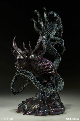 Sideshow presenta una estatua del Alien Warrior 009