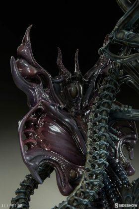 Sideshow presenta una estatua del Alien Warrior 017