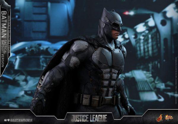 batman hot toys 11