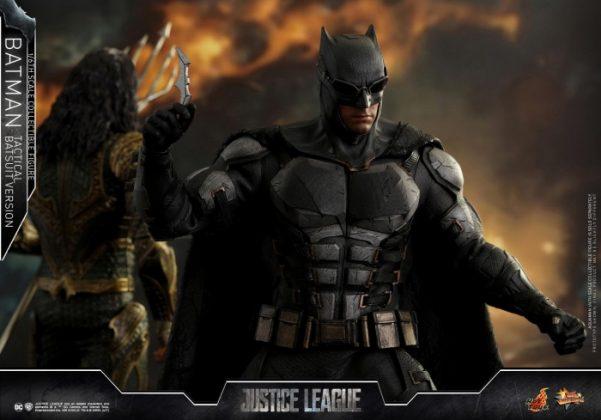 batman hot toys 14