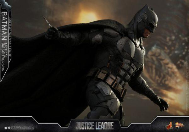 batman hot toys 16