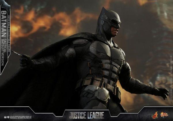 batman hot toys 19