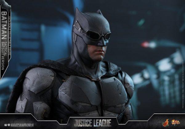 batman hot toys 21