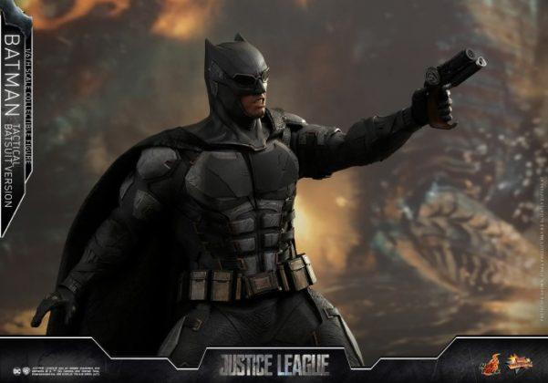 batman hot toys 3