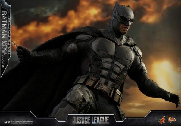 batman hot toys 6