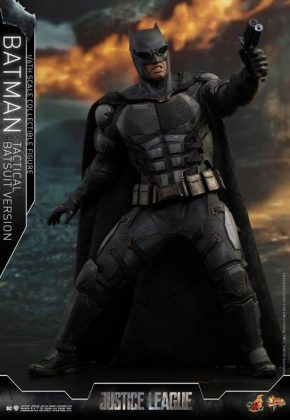 batman hot toys 8