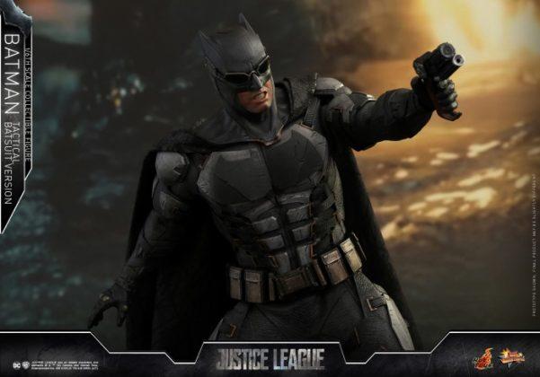 batman hot toys 9