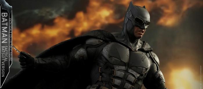 batman hot toys portada