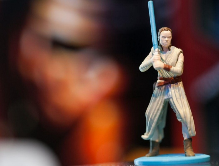Continúa la polémica con el Monopoly de Star Wars de Hasbro y la figura de Rey