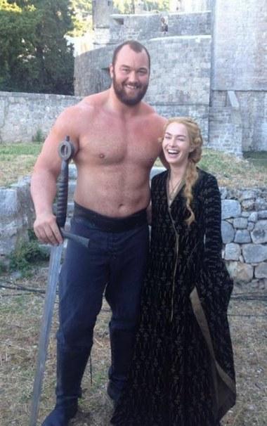 Cersei y La Montaña tras las cámaras