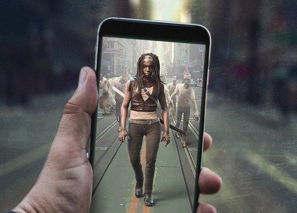 The Walking Dead Our World Los zombies invaden el mundo real 2