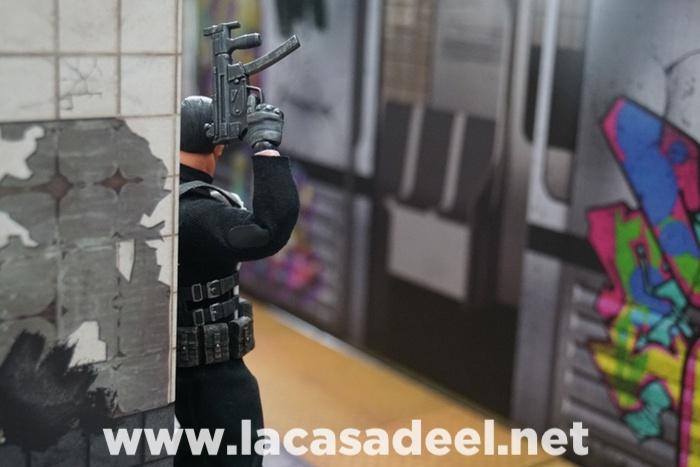 Extreme-Sets Subway Terminal Pop-Up Diorama