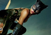 Catwoman caca