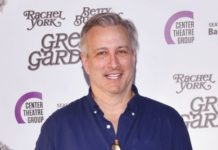 Bronson Pinchot se une al reparto de la serie de 'The Chilling Adventures of Sabrina' (1)
