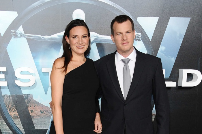 Jonathan Nolan y Lisa Joy