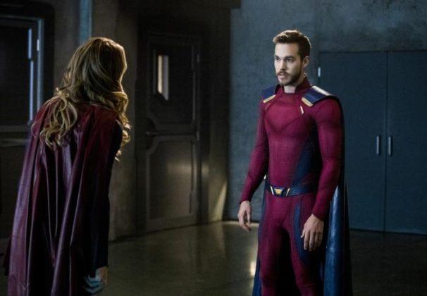 Mon-El y Supergirl 2