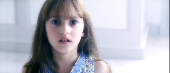 Laura Ward as young Elektra