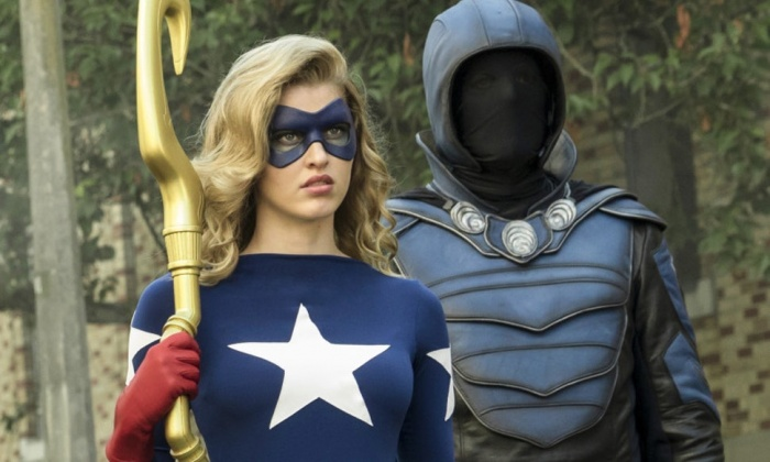 Sarah Grey como Stargirl en Legends of Tomorrow