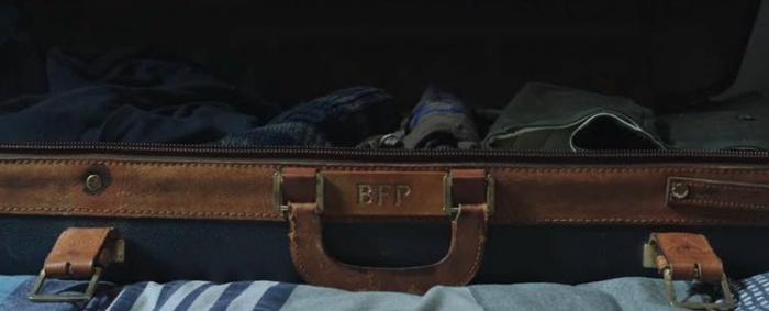 Spider-Man - Lejos de casa - maleta tío Ben